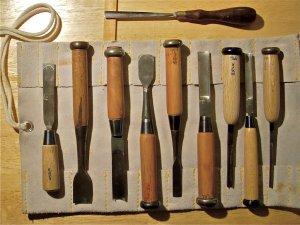 כלי חיתוך לינוליאום - סדנאות חגית שחל